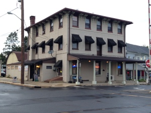 white-palm-tavern