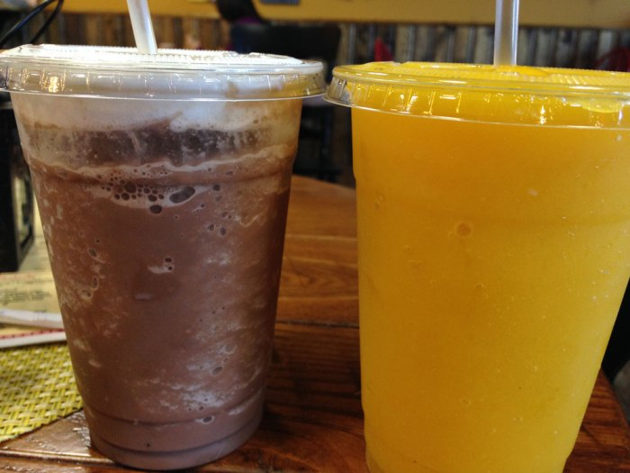crave-cafe-frozen-hot-chocolate-and-mango-smoothie