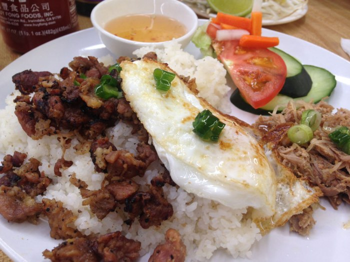 vietnamese-delights-broken-rice-platter