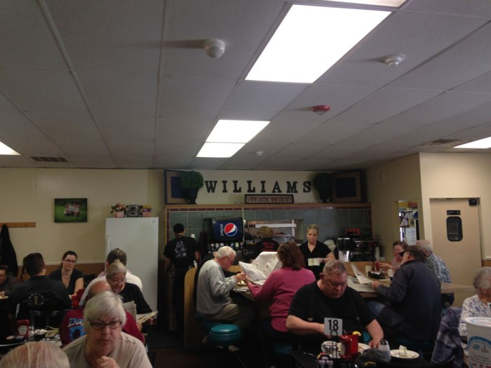 williams-family-restaurant-interior