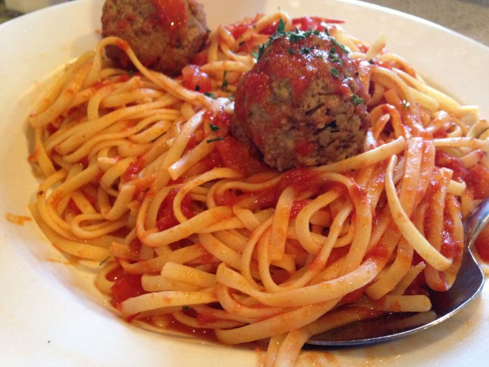 zia-maria-fettucine-and-meatballs