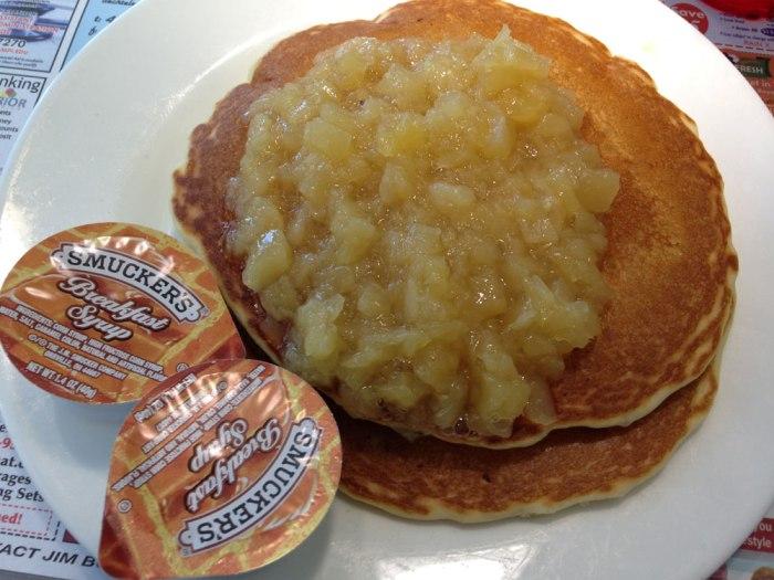 americana-diner-pineapple-pancakes