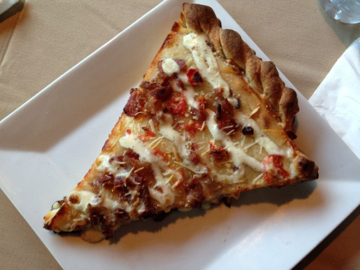 pete-s-new-york-stuffed-chicken-bacon-ranch-pizza