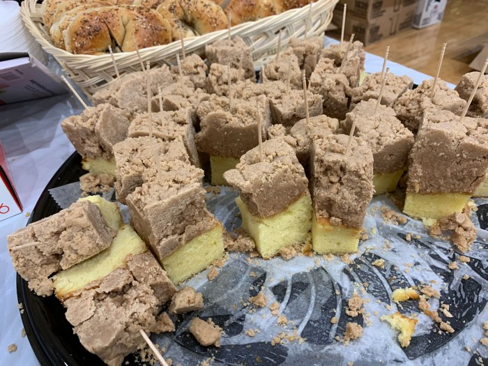New York Bagelry's Crumb Cake